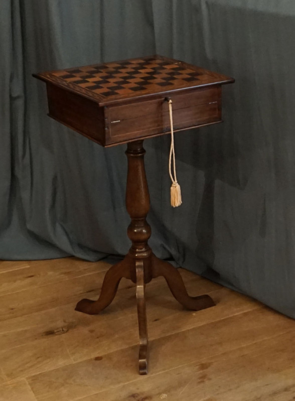 games table/writtingtableSOLD